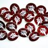 Металлические значки на заказ с отверстиями и прорезями